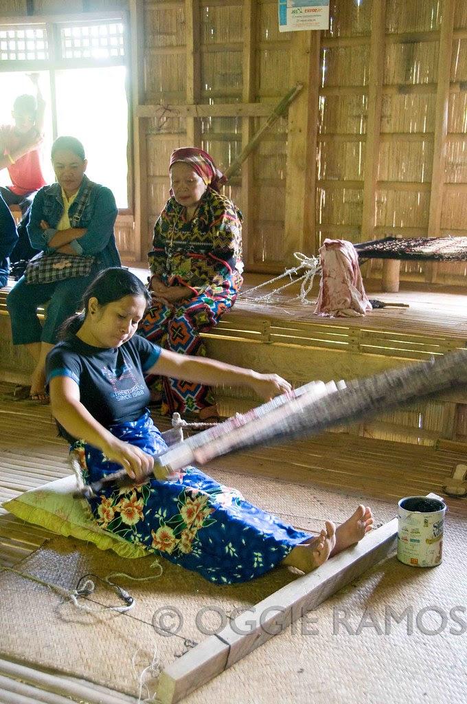 Lake Sebu - Weaving at Lang Dulay's Longhouse