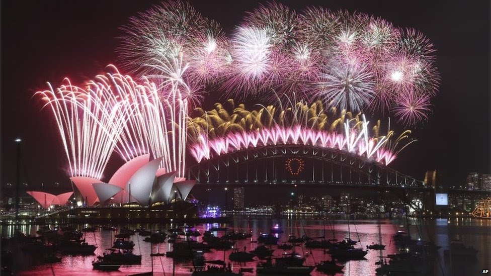 New Year fireworks in Sydney, 31 December 2014