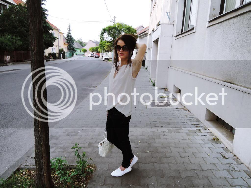 photo 15_zpsd6f80280.jpg