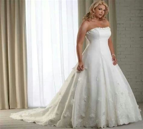 1000  images about Full Figured Wedding Dresses on Pinterest
