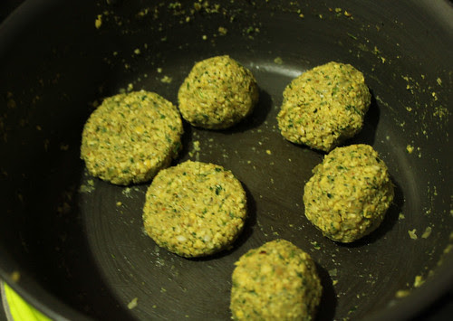 Falafel balls for frying