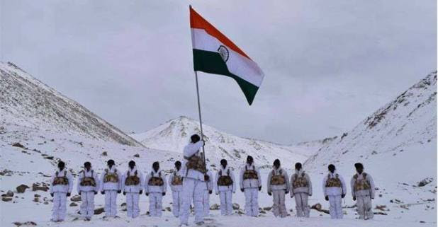 Salute To ITBP Jawans Hoisting The National Flag In Minus 30 Degree On 70th Republic Day In Ladakh