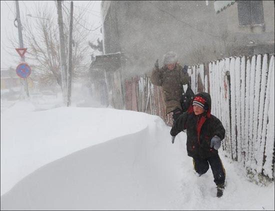 Τρομακτική χιονόπτωση στη Ρουμανία (7)
