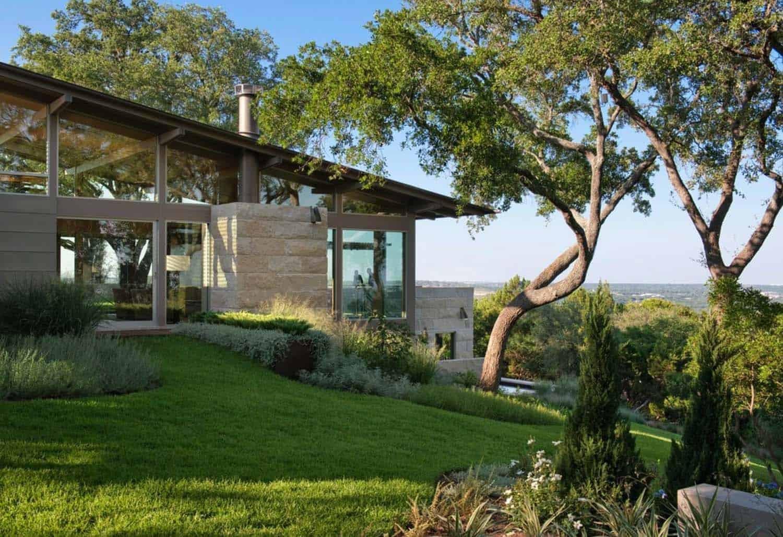 Modern Hillside House Lake Flato Architects 01 1 Kindesign