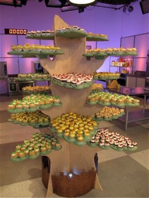 1000  images about Cupcake/Cake Stands on Pinterest