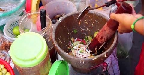Đặc sản Thái Lan | Gỏi xoài ba khía ốc cay xé lưỡi | Street food Thailand
