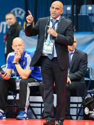 Cacau técnico do Cazaquistão futsal (Foto: Divulgação)
