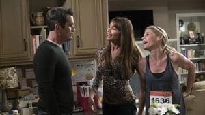 Modern Family Season 9 : Winner Winner Turkey Dinner