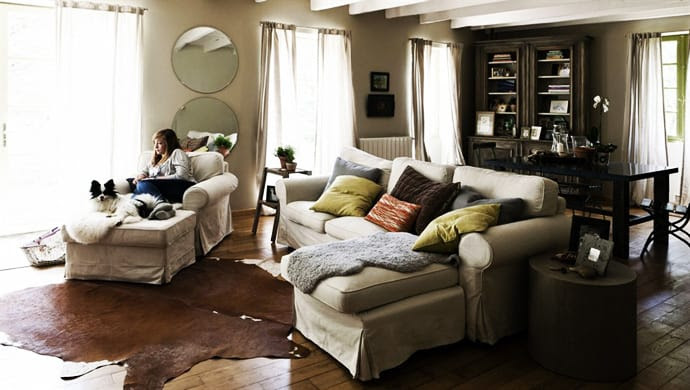 16 Solutions of How to Decorate Your Living Room Trendy and Cozy