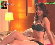 Ana Varela sensual em lingerie na serie familia mata
