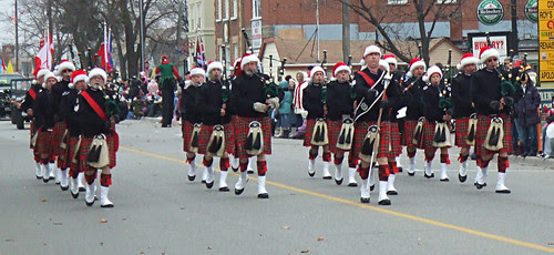 Mississauga Santa Claus Parade , November 30, 2008 / Streetsville Pipes & Drums
