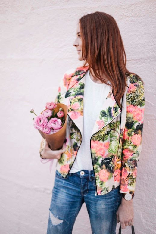 LE FASHION BLOG LINE & DOT FLORAL MOTO JACKET BLOGGER STYLE COULD I HAVE THAT CALIFORNIA STYLE BLOG JOIE WHITE TEE TSHIRT AE DISTRESSED DENIM BOYFRIEND JEANS DANIEL WELLINGTON WATCH 2 photo LEFASHIONBLOGFLORALMOTOJACKETBLOGGERSTYLECOULDIHAVETHAT2.jpg