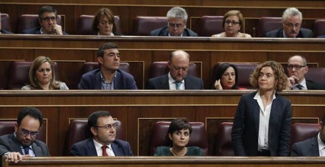 Meritxell Batet, durante las votaciones del debate de investidura de Rajoy. EFE/Javier Lizón