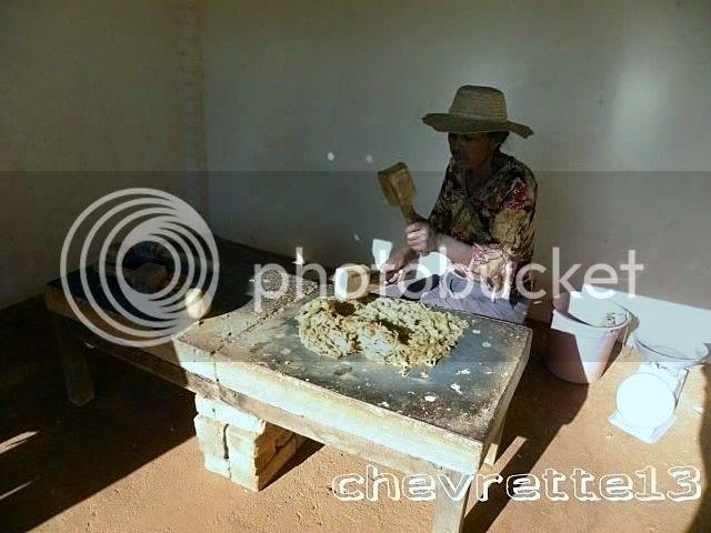 http://i1252.photobucket.com/albums/hh578/chevrette13/Madagascar/DSCN0795640x480_zpsb4783221.jpg