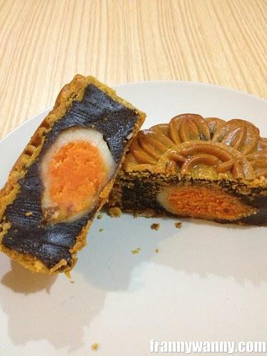singapore mooncake 2