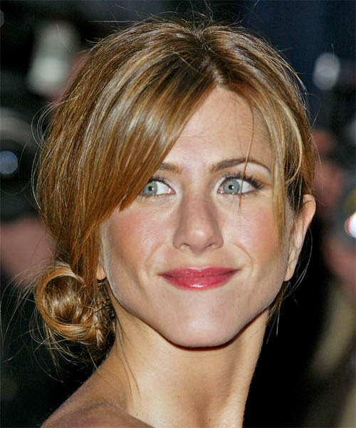 http://hairstyles.thehairstyler.com/hairstyle_views/front_view_images/861/original/1355_Jennifer-Aniston.jpg