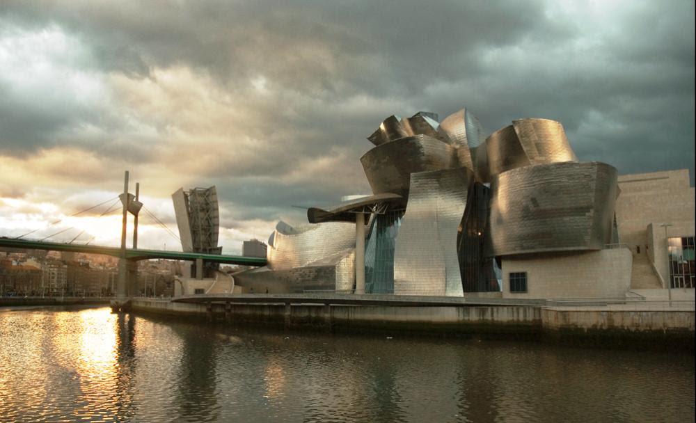 Το Μουσείο Guggenheim του Μπιλμπάο φιλοξενεί κάποιες από τις καλύτερες εκθέσεις μοντέρνας και σύγχρονης τέχνης.