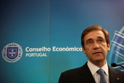 O primeiro-ministro não quantificou a devolução parcial dos subsídios de férias e de Natal ao setor público e aos reformados e pensionistas, nem o valor do aumento de impostos. Foto Mário Cruz/LUSA.