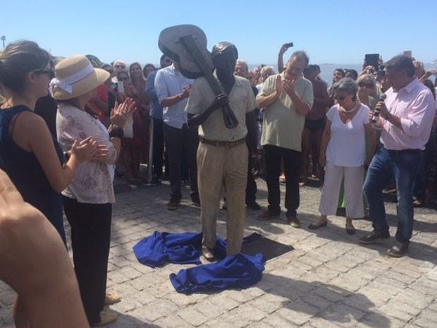 Estátua de Tom Jobim é inaugurada em Ipanema (Foto: Alba Valéria Mendonça / G1)