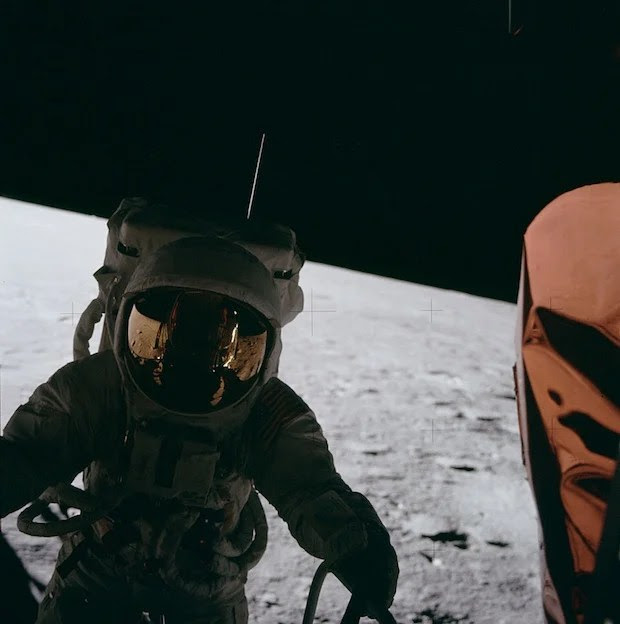 Incredible Online Gallery of High Res Film Scans from Every Apollo Mission apollo12 1