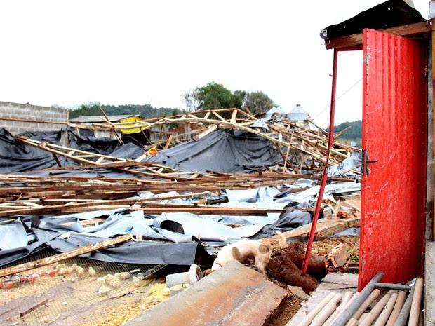 Em Francisco Beltrão, no sudoese do Paraná, 12 casas foram totalmente destruídas pelo tornado que atingiu a cidade na segunda-feira (13) (Foto: Prefeitura de Francisco Beltrão / Divulgação)
