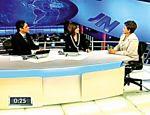 O casal entrevista Dilma Rousseff, então candidata à presidência, em 2010