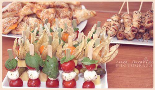 http://i402.photobucket.com/albums/pp103/Sushiina/Daily/daily_buffet.jpg