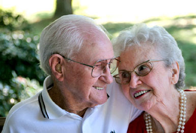 Old-Age-Sex-White-Hair-Couple