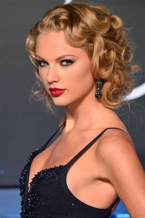 taylor swifts  curly straight short