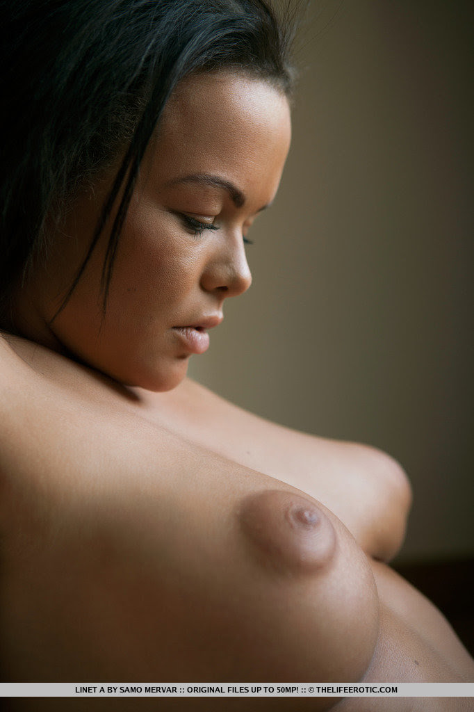 girl-with-large-nipples