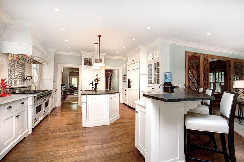 37 Luxurious Kitchens with White Cabinets - Designing Idea
