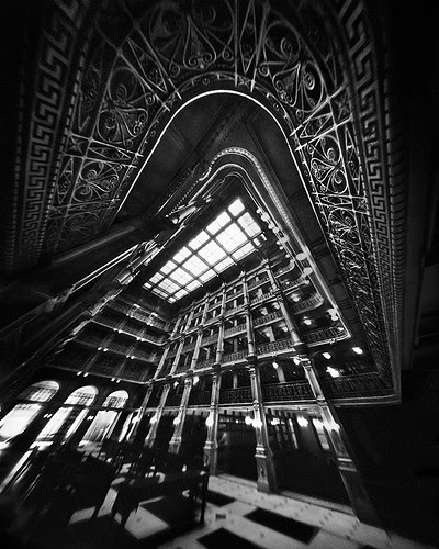Crowned in Metal (4x5 Pinhole Photograph) por integrity_of_light
