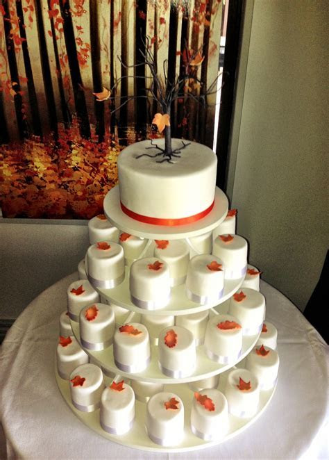 Autumn Leaves Wedding Cake with Matching Cupcakes   bakearama