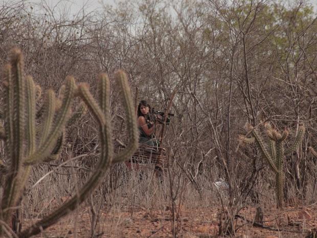 PREP_ A repórter Eliane Scardovelli registra a seca em Tabira, interior de Pernambuco (Foto: TV Globo)