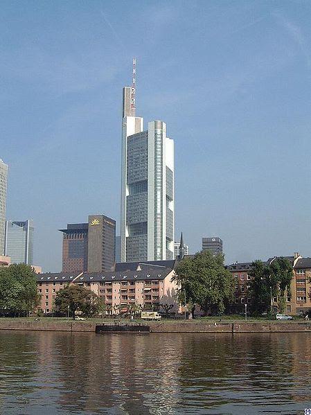 Pilt:Frankfurt.Commerzbanktower.wmt.jpg
