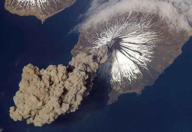 Από ένα παρόμοιο νέφος αερίου και σκόνης φτιάχτηκε η Γη