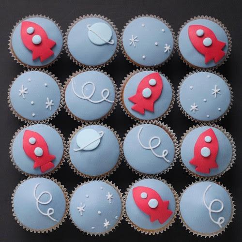 retro space cupcakes!