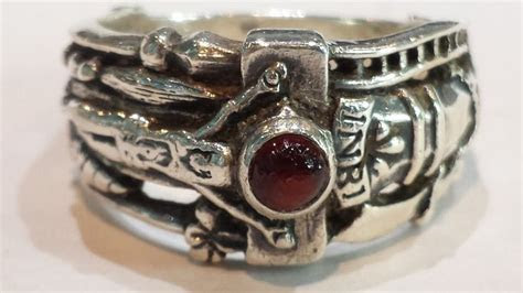 Details about ? Retired James Avery Martin Luther Silver