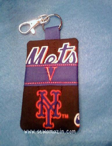 Mets keychain/card holder - V