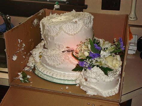 11 Wedding Cake Disasters   CHWV