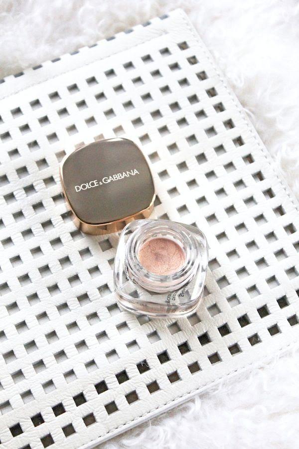 Le Fashion Blog Holiday Party Beauty Cutout Grid White Clutch Dolce Gabbana Illuminator By Jenn Camp