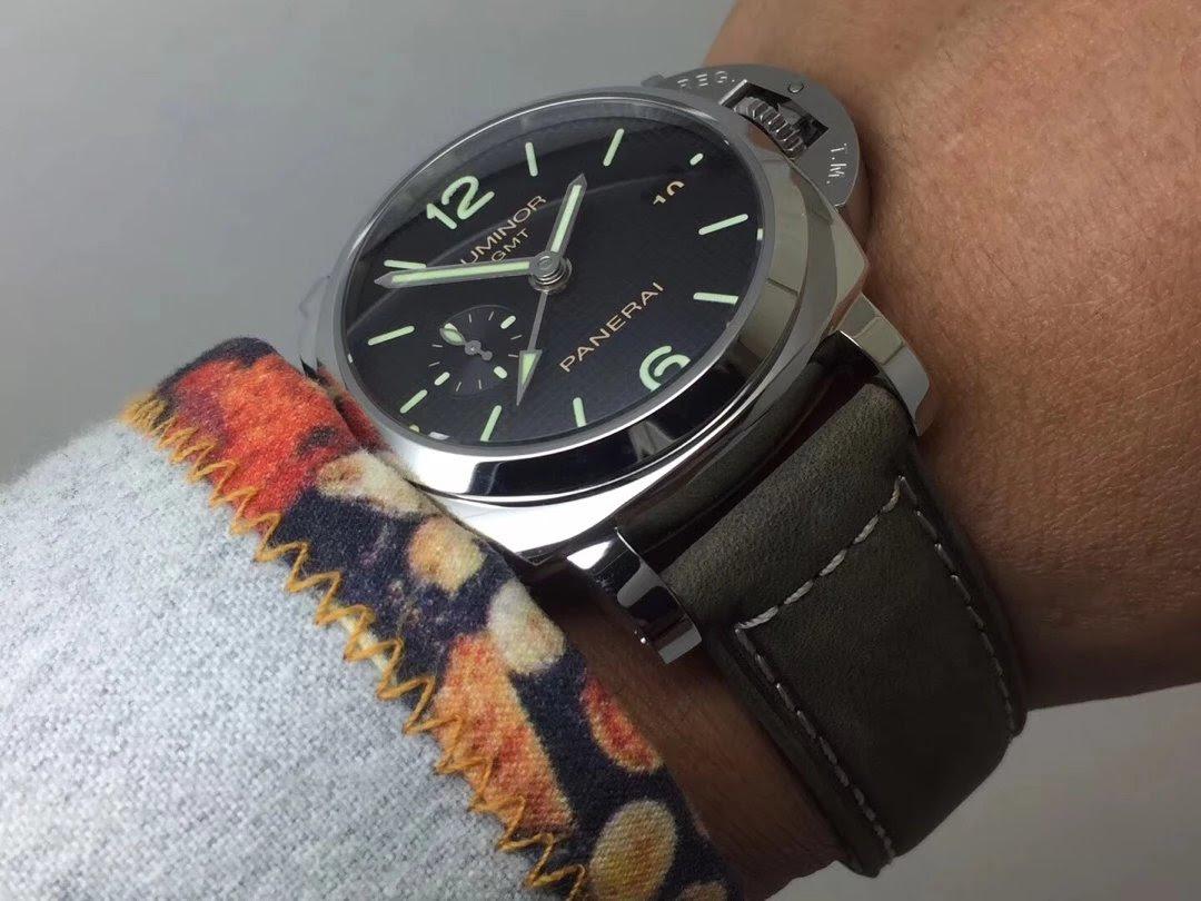 PAM 535 Wrist Shot 4