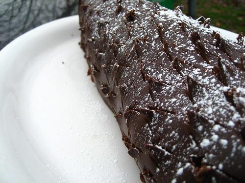 holiday pinecone cake
