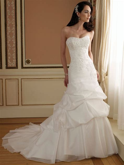 Curved Neck A line Wedding Dress with Lace Bodice and