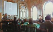 国際シンポジウムではネフスキーの功績などが話し合われた(10月3日)