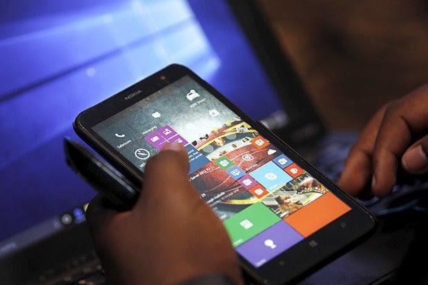 Windows 10 on Windows Phone: Not bad!