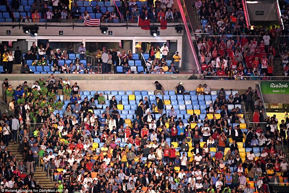 As Olimpíadas já começaram no Rio, com Gisele a estrela, mas com milhares de lugares vazios (foto) na Cerimônia de Abertura