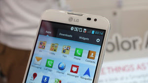 LG's 5.5-Inch Optimus Pro Has a 1080p IPS Screen (Hands On)