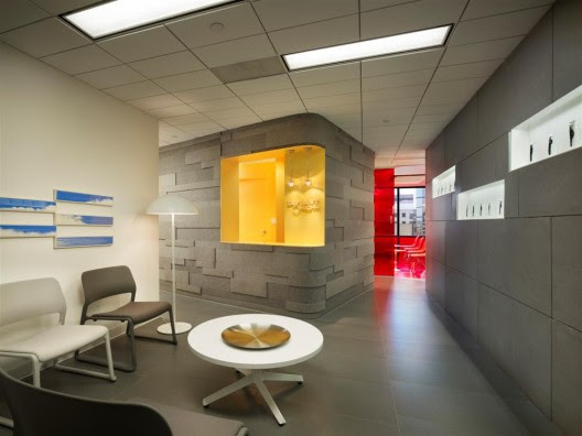 Implantlogyca Dental Office Interiors / Antonio Sofan Architect