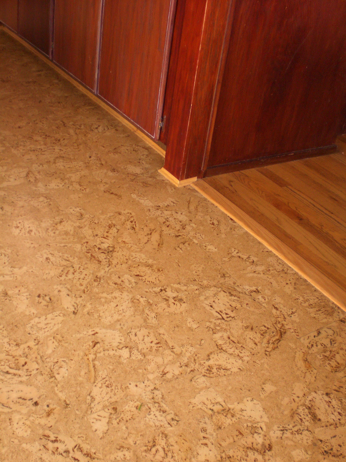 How to choose a suitable flooring material. | Asian Lifestyle Design